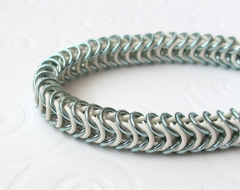 Box chain chainmail stretchy bracelet seafoam and white