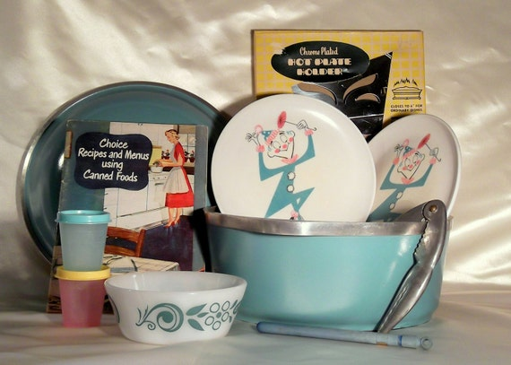 Mid century kitchen gift basket in aqua - great variety of vintage kitchen items