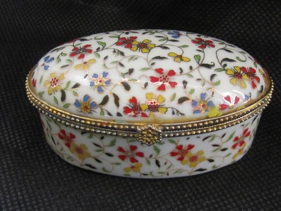 Vintage Floral  porcelain small Box 80s