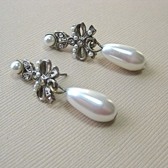 Vintage Pearl and Rhinestone  post back earrings with pearl teardrops and rhinestone bows
