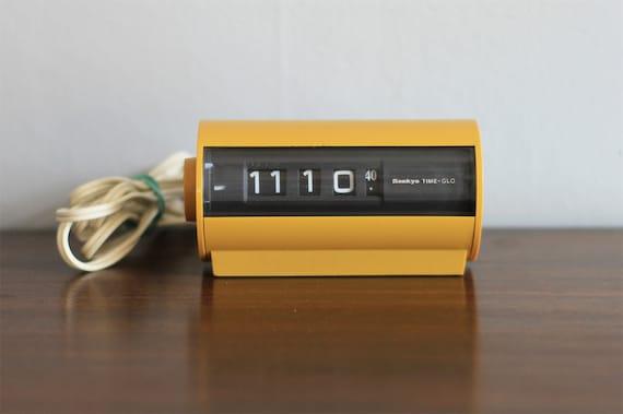Vintage Sankyo Time-Glo Clock
