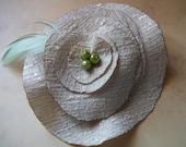 Brooch - flower - in beige polyester