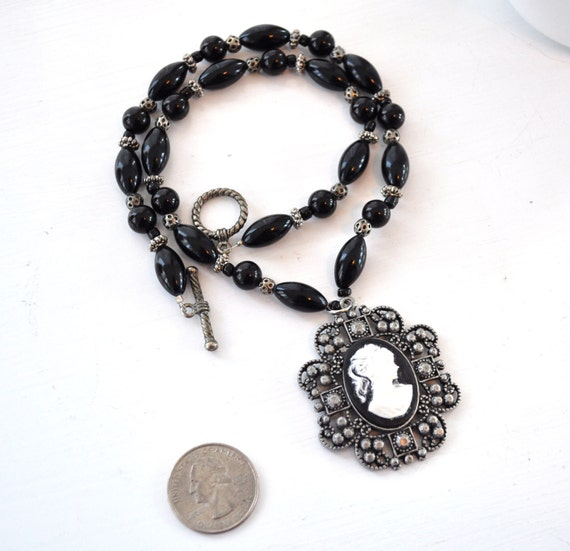Cameo Beaded Necklace Black & Oxidized Silver