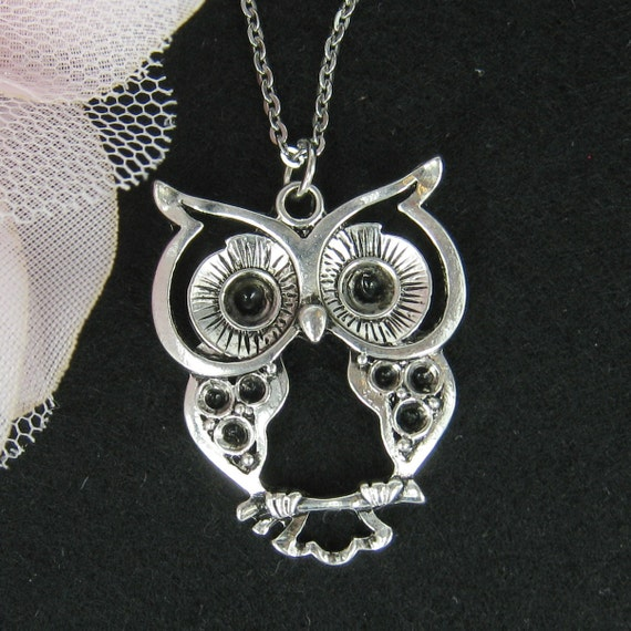 Lovely silver owl necklace