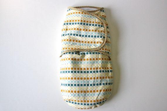 Baby swaddler, swaddle blanket/wrap, multicolor polka dot