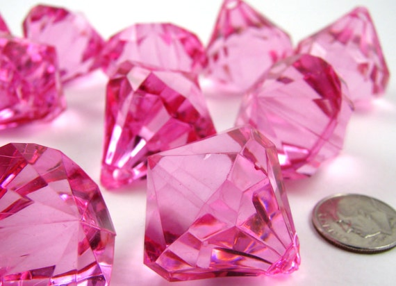 BIG plastic diamond bling acrylic HOT PINK faceted 12 pendants