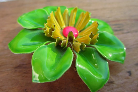 Large Vintage Pin Floral Enamel Green Yellow and Pink Daisy Flower Brooch Pin Retro Metal