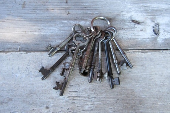 HUGE Instant Collection of 11 Skeleton Keys Antique Keys Victorian Keys Metal On Jailers Ring
