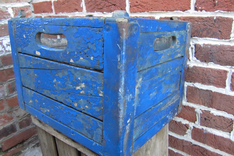 antique blue crate chippy wood milk box by theoldtimejunkshop. Black Bedroom Furniture Sets. Home Design Ideas