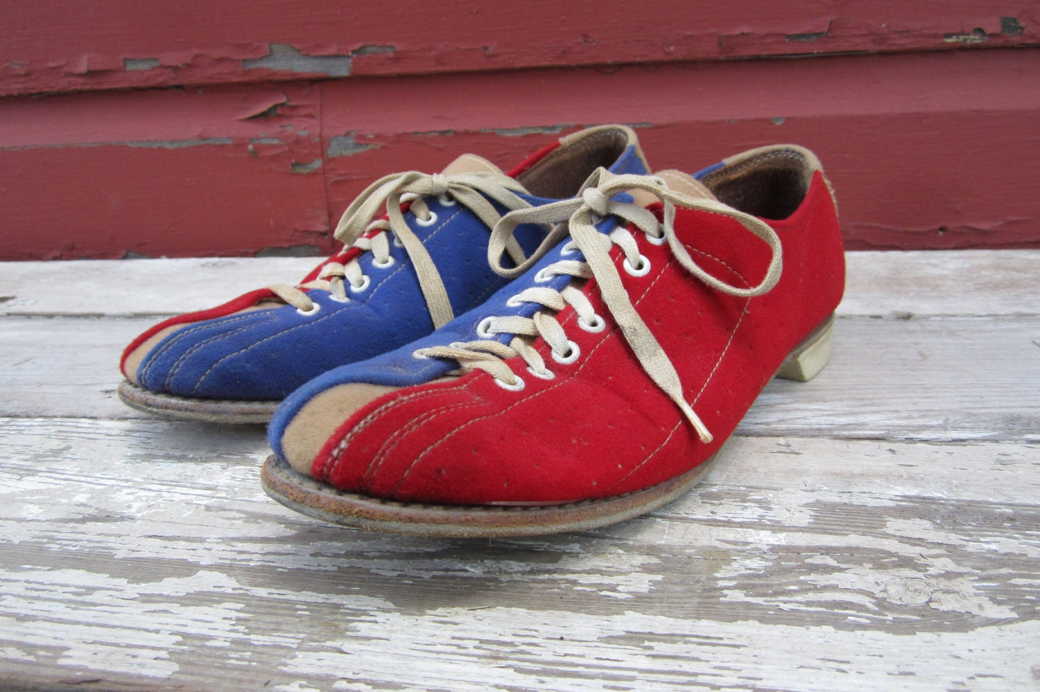 REDUCED Vintage Bowling Shoes AMF Red and Blue Retro Suede