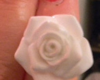 Vintage Victorian Rose Cabochon Ring with Filigree Adjustable Setting