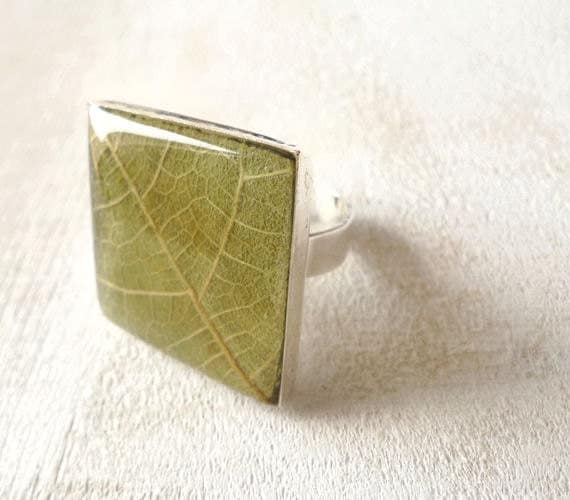 Pressed Leaf Resin Ring - Fig leaf  - Handmade resin jewelry for nature lovers