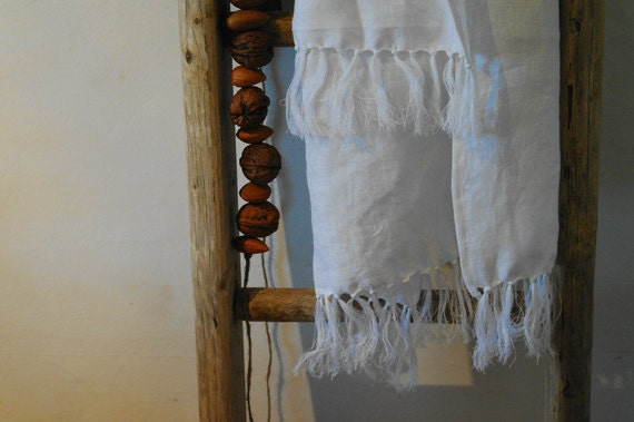 White Linen Bath Towel With Hand-Knotted Fringe Pre Washed Linen