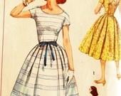 "Vintage 1950s Simplicity Misses' Dress Pattern 2492 Size 12 (32"" Bust)"