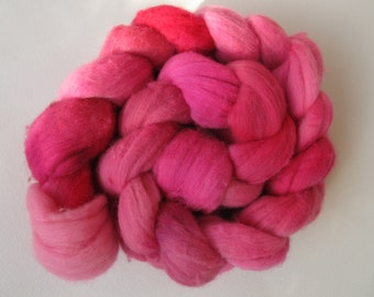PINK Targhee Combed Spinning Top (roving)  3.8 oz (b) Free U.S. Shipping