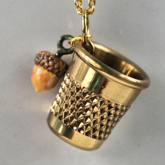 Thimble and Acorn Kiss Necklace - Peter Pan and Wendy