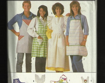 Simplicity 7874 Aprons and Pinafore Bib and Butcher Style Aprons  UNCUT