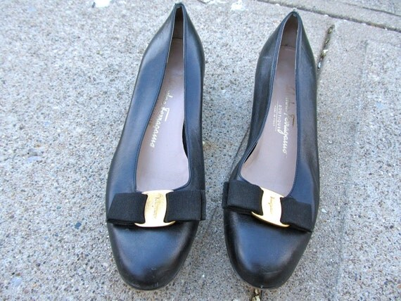 Vintage Black Leather Ferragamo Flats Size 8 B