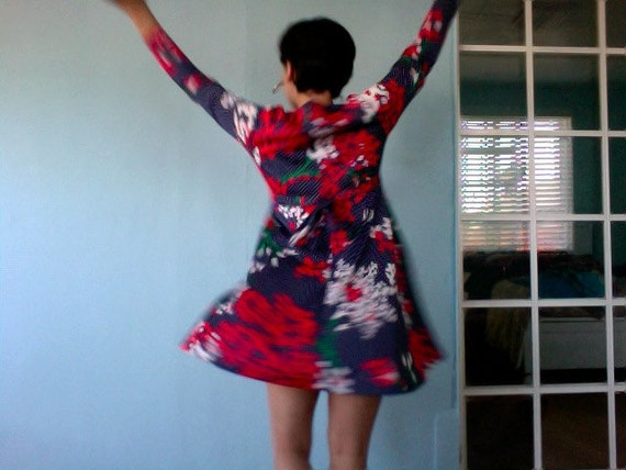 1960s Red Blue and White / Polka Dot /  Flower / Shirt Dress Size M - L