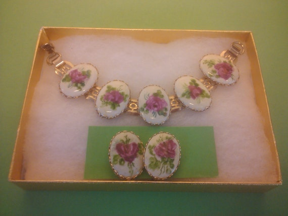 Vintage 1950s Bracelet /Earrings / Cameo/ Hand Painted Roses