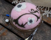 Needle felted pin cushion in a vintage depression glass dish, Madrid Pattern: by Ghenganette