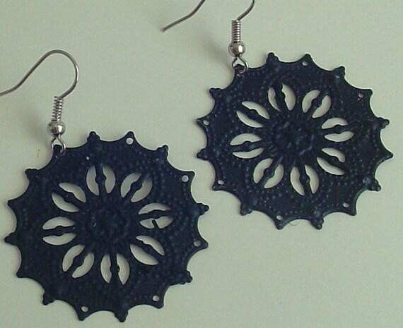 SALE -  Handpainted Black round star like filigree earrings