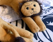 Rodger the Lion Travel Neck Pillow