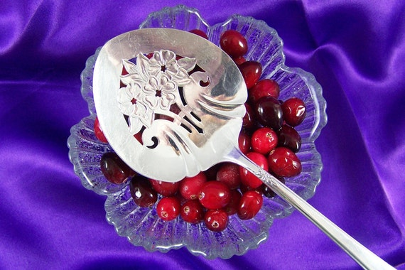 TOMATO - CRANBERRY Sauce SERVER - Free usa Shipping - Vintage Silverplate - Mountain Rose by Rogers - Holidays - Everyday Use - Under 20