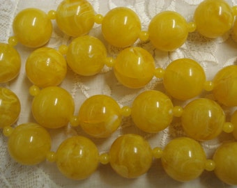 very nice vintage  NECKLACE Sunny Yellow Color