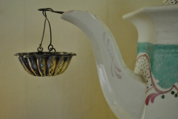 Hallmarked French antique silver tea strainer fleur de lys turn of the century