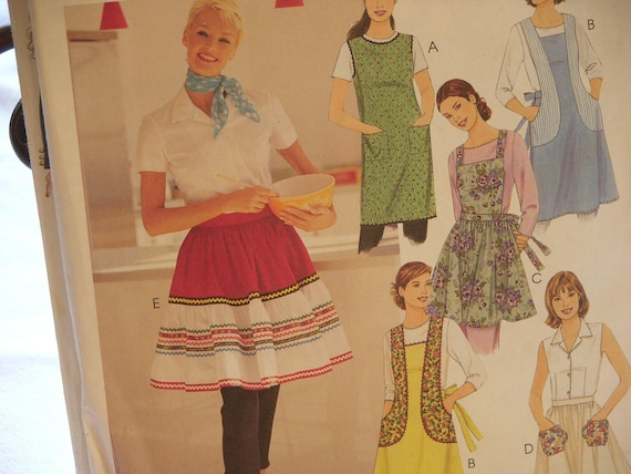 McCalls Retro Collection Aprons from 1950s Inspired Pattern Made in 2000.