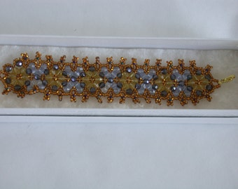 Beaded Bracelet in gold and blue