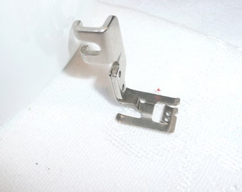 Singer Slant Shank Special Purpose Foot 163483 Sewing Machine Attachment