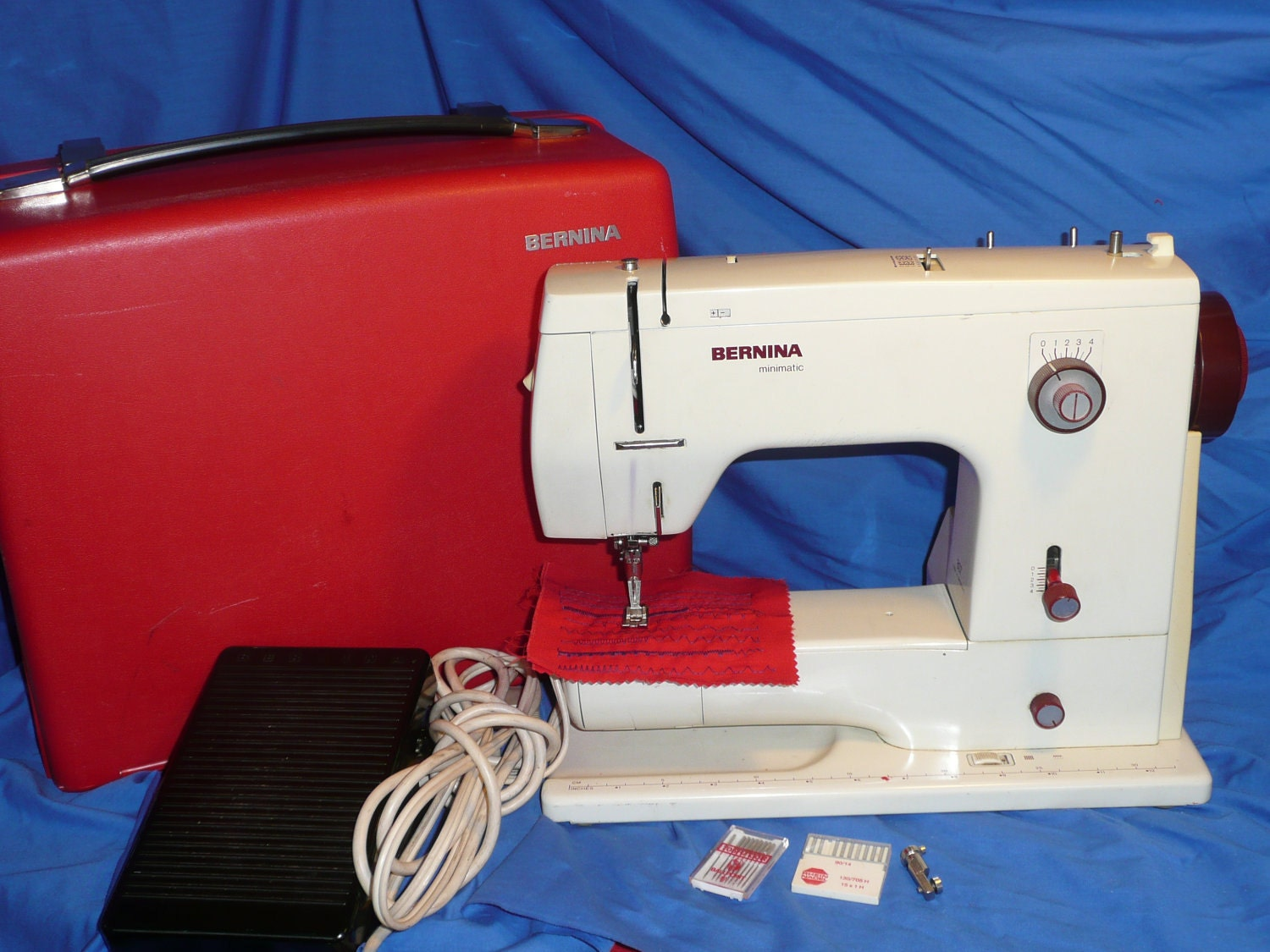 Machine coudre bernina minimatic 807 for Machine a coudre 807
