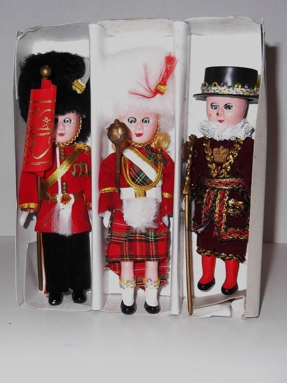 Vintage Collectible Dolls The Royal Parade Doll Collection