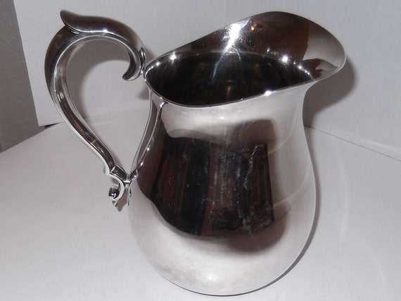 Vintage Water Pitcher Reed and Barton Silver Plate 970 Vintage Water Pitcher
