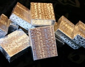 Small Silver or Gold Textured Gift Boxes With Cotton Great For Gift Giving (5)