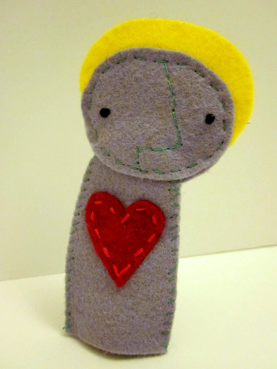 Simple Felt Finger Puppet With Heart and Halo