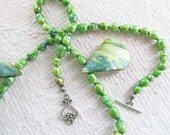 Freshwater Pearls - Shell Necklace - Gorgeous Green