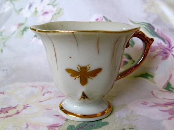 reCYCLE vintage espresso cup with honeybee