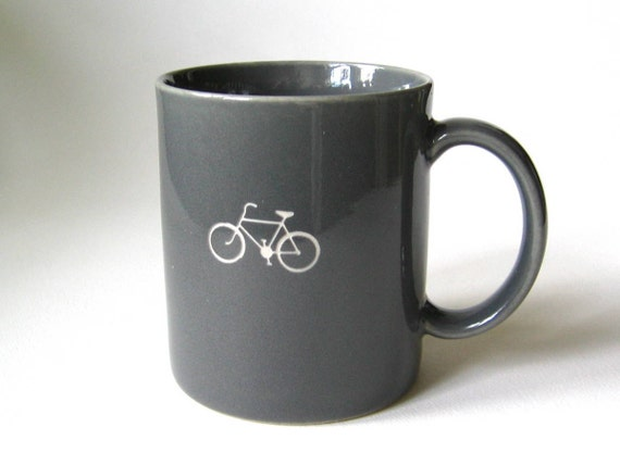 reCYCLEd grey mug with bicycle