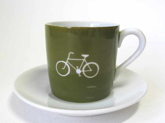 reCYCLEd espresso cup with bicycle