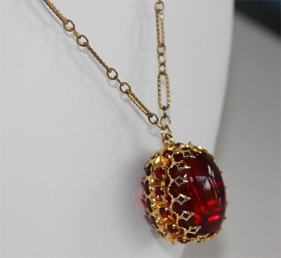 VINTAGE Ruby Gold Tone Necklace  30s 40s