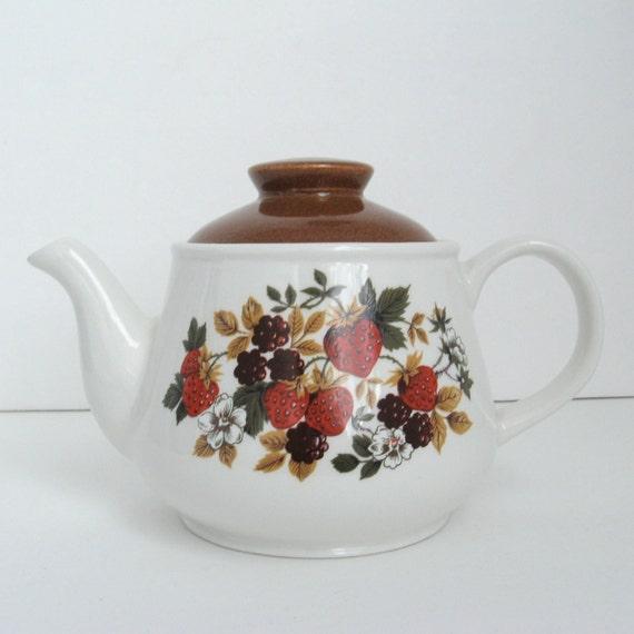 Vintage Ceramic Teapot Sadler Strawberry And Wildberry