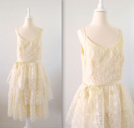 Vintage Summer Wedding Dress - Cream Lace - Tea Length - Beach Resort - Medium - 1980s