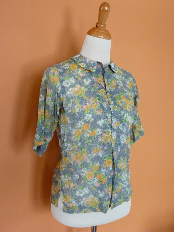 1960s Blouse with Peter Pan Collar By Dalls Size Small Medium SALE