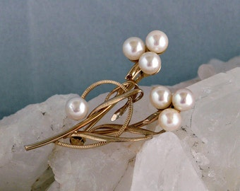 A & Z Chain Co 12K gold filled cultured pearl brooch