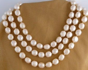 Les Bernard gorgeous vintage signed baroque faux pearls