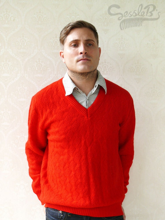 """Vintage Men's knitted wool sweater in diamond pattern, Medium to Large - Bright red . . . . . . """"Like"""" our fb page for 10% discount"""