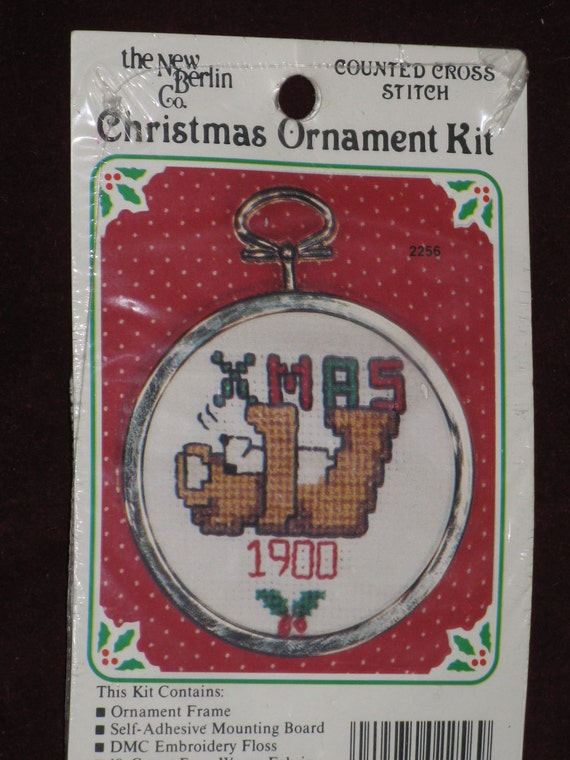 Counted Cross Stitch Kit Holiday Christmas Ornament Old Fashion Teddy Bear New and Cute
